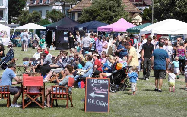 Bournemouth Echo: Scenes from last year's Mudeford Arts Festival