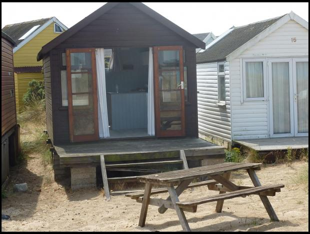 No running water or electricity - but tiny beach hut goes on the market for £150k!