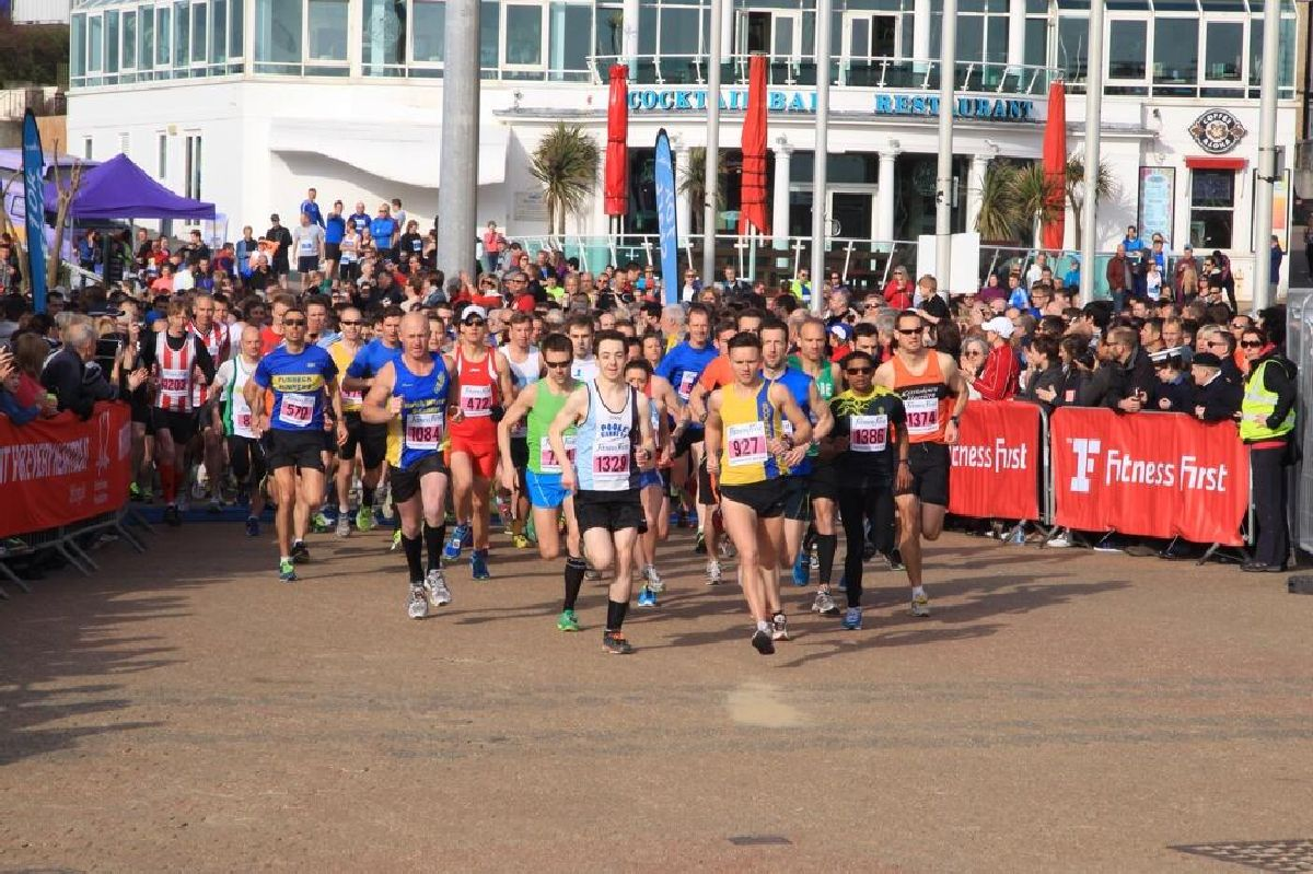 UPDATE WITH VIDEO: Thousands get their running shoes on for Bournemouth Bay Run