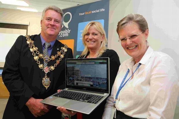 Kyrsty Fairchild launches Yooblr with the help of Cllr Phil Eades and Susan Willis