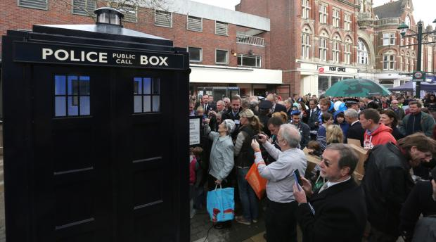 Bournemouth Echo: Doctor Who fans and residents turn out for unveiling of Boscombe's 'Tardis'