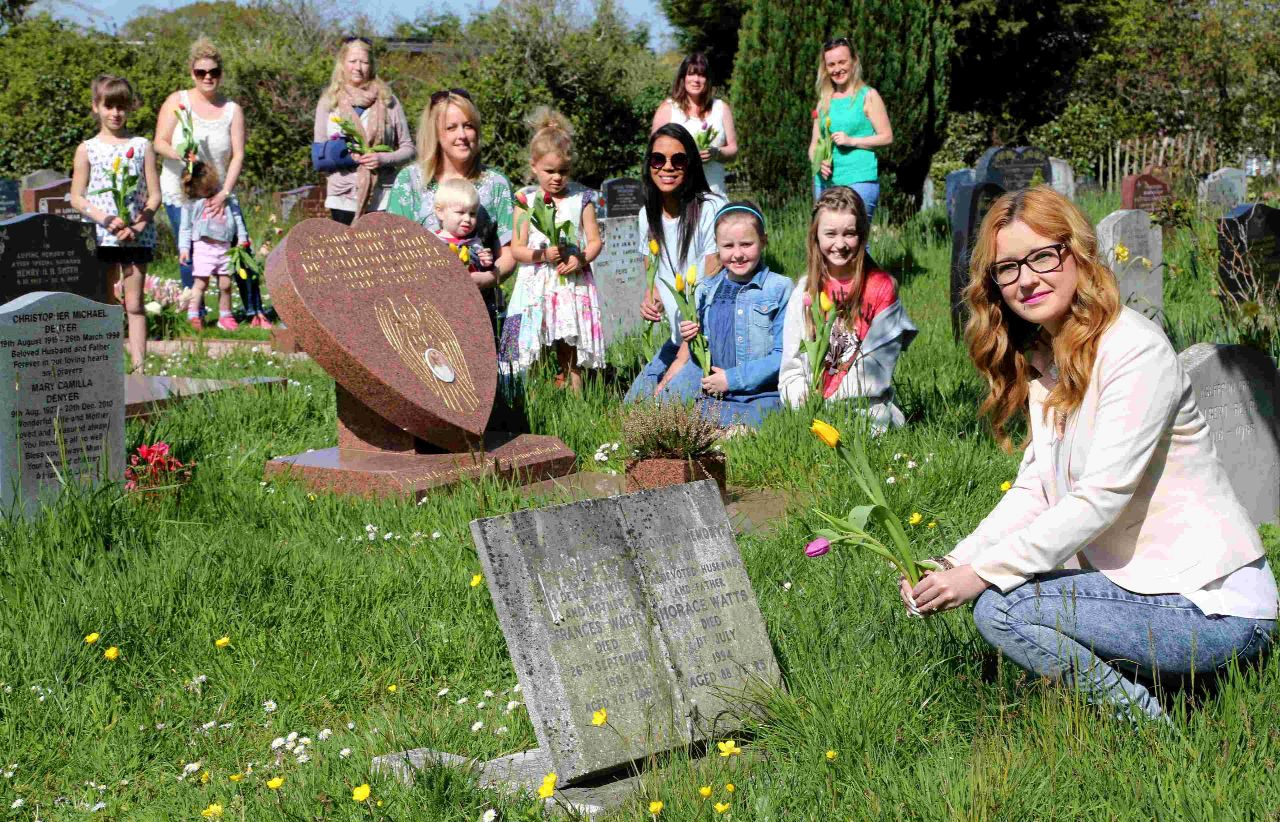 Thousands of graves – one mission: can you help place flower on every headstone at cemetery?