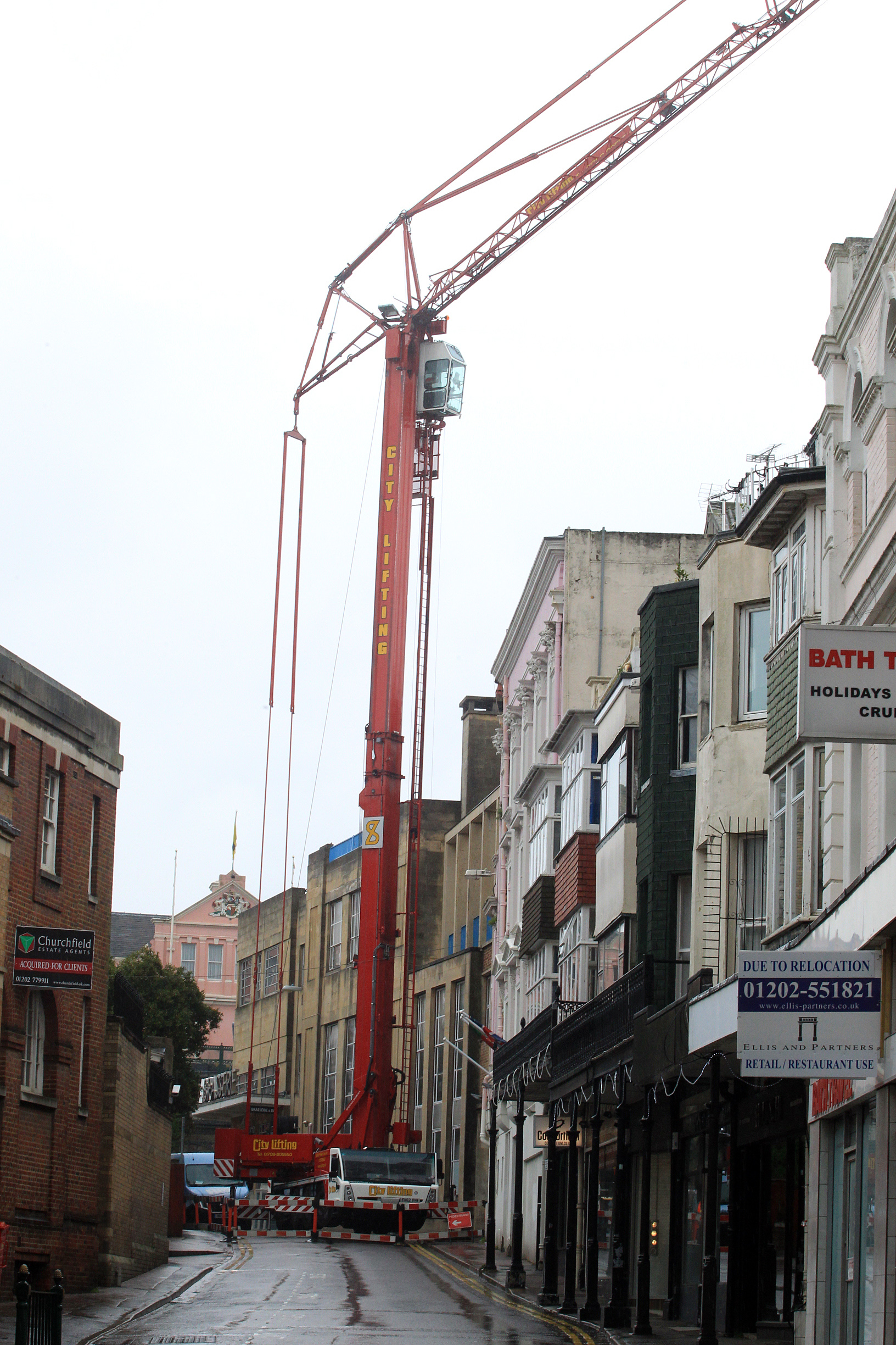 Bournemouth town centre road closed while air con units delivered