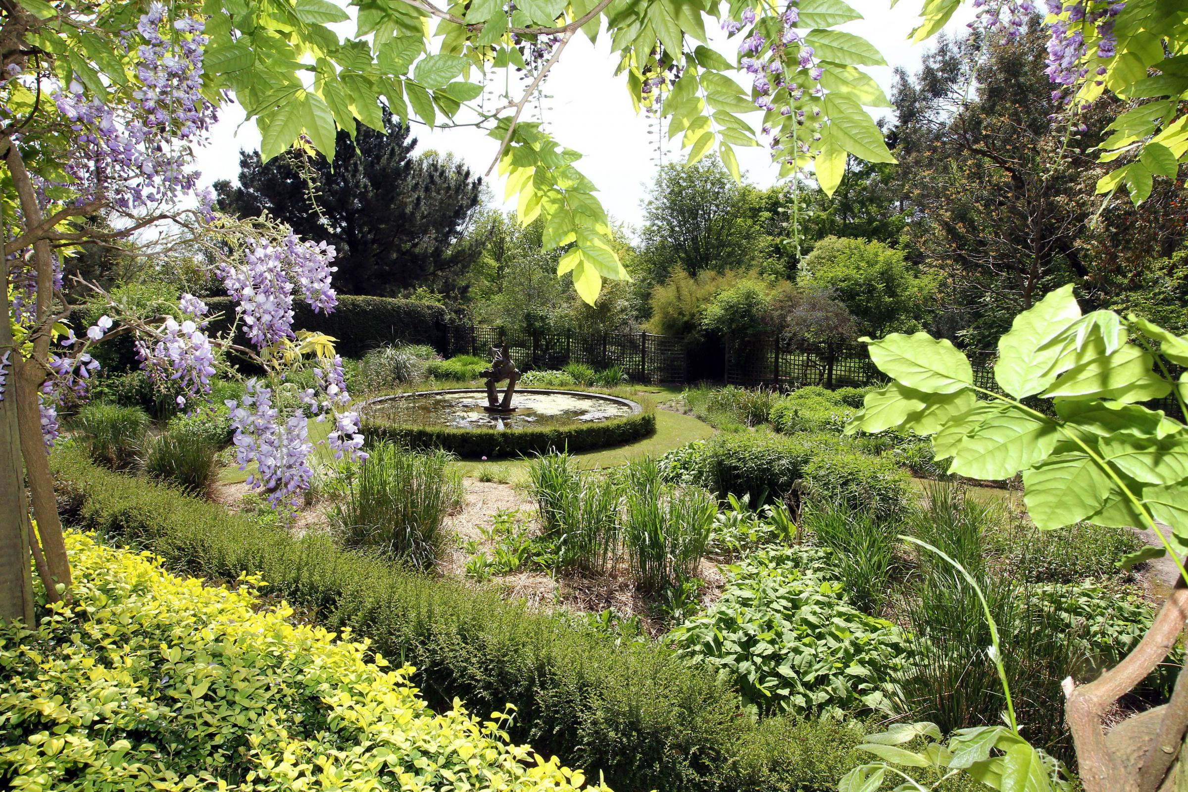 Expert advice on hand at first ever East Dorset Plant Fair at Knoll Gardens