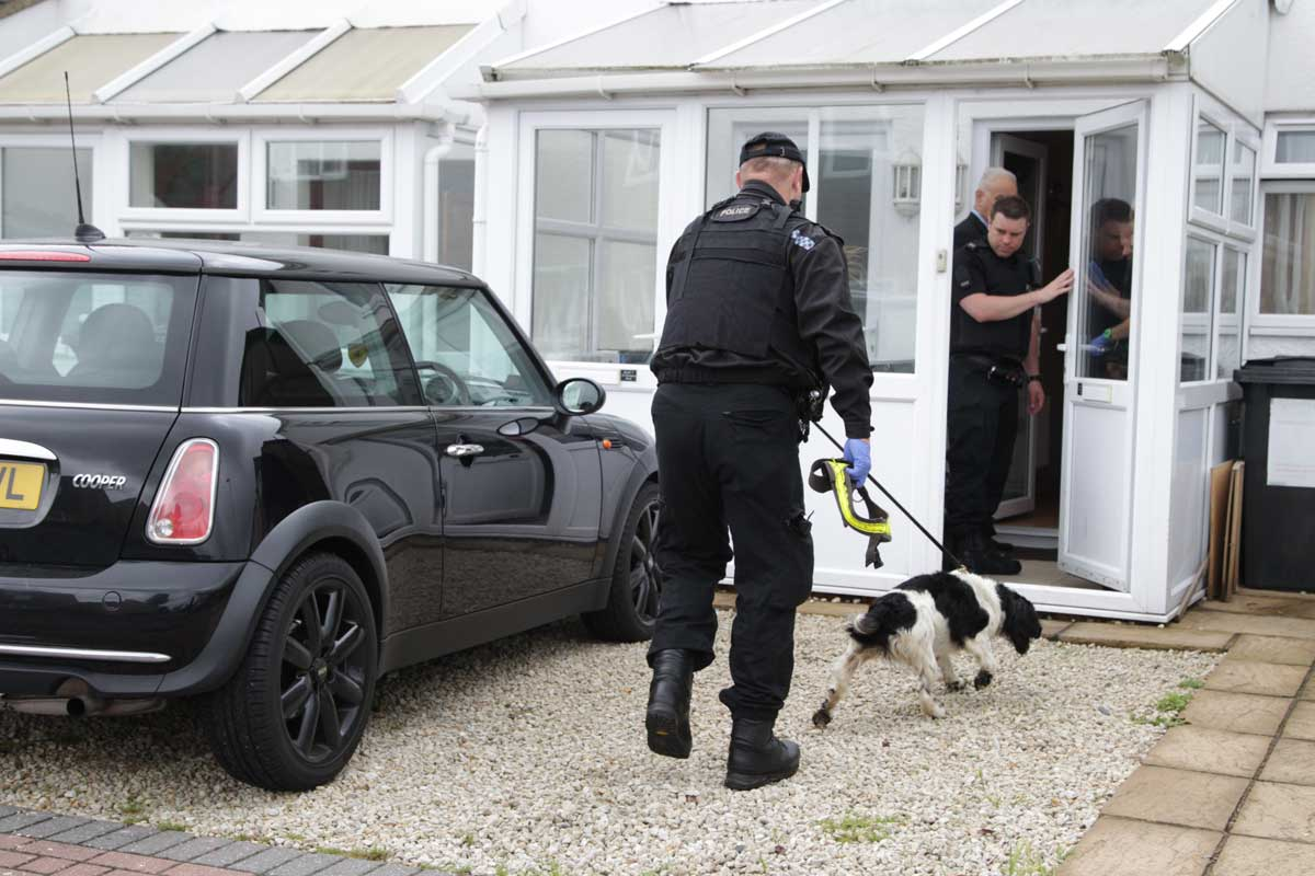 UPDATE WITH VIDEO: Armed police carry out drugs raid at house in Springbourne