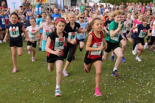 VIDEO: Thousands turn out for Poole Festival of Running
