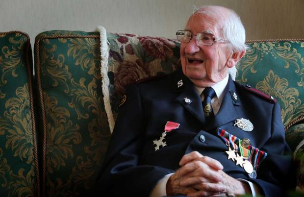 D-Day hero Phil Carey fell to ground in f