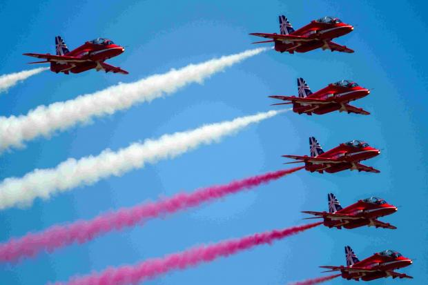 Red Arrows thrill crowds