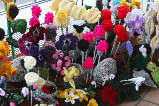 COLOURFUL CREATION: The Knitted Garden