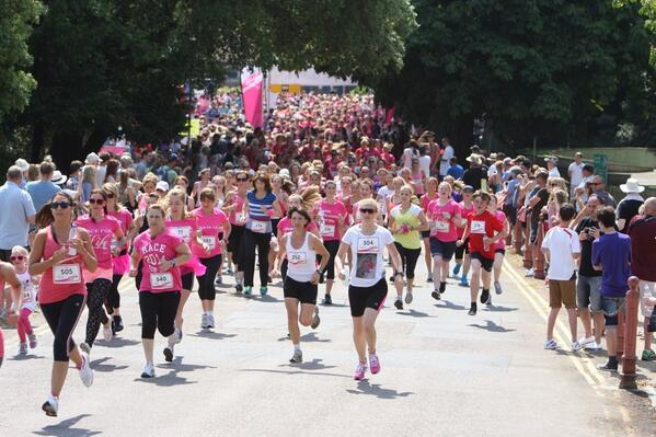 UPDATE WITH FULL VIDEO: Hundreds take part in Race for Life in Poole Park