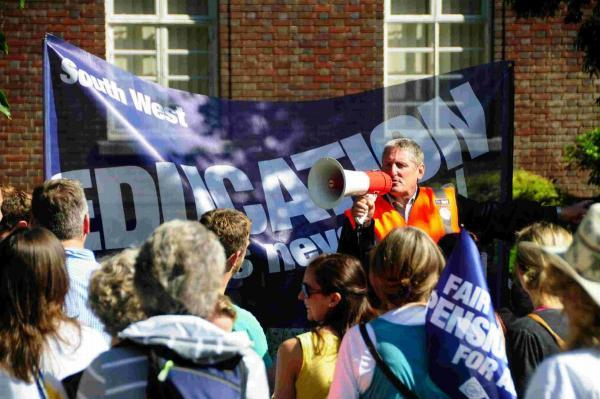 Bournemouth Echo: RALLY: Geoff Cooke at a previous protest event