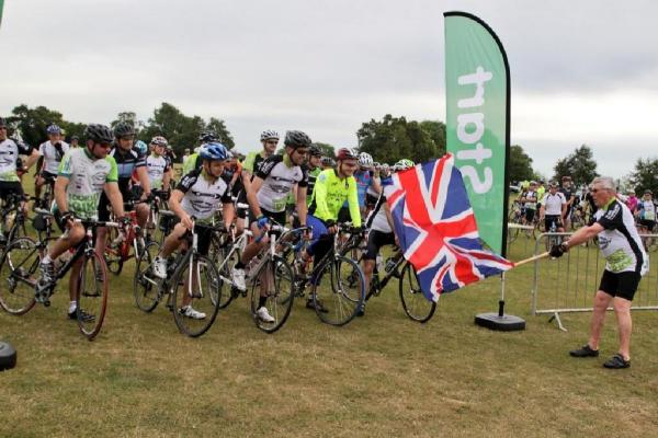 UPDATE WITH VIDEO: Hundreds saddle-up for the Macmillan Dorset Bike Ride