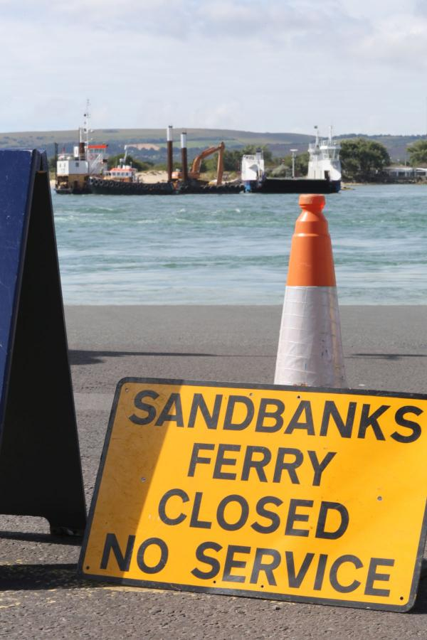 UPDATE: Sandbanks ferry: tests today but service hoping to run again on Friday after chain snapped