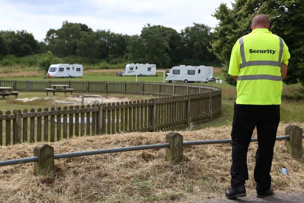 Travellers set up camp on Kinson Common - while more turn up in Fleetsbridge