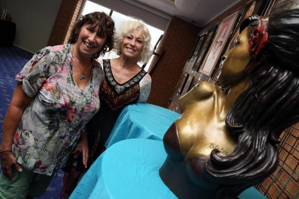 Janis Winehouse, left, celebrates the opening of the exhibition with sculptor Linda Joyce. Pic: Jon Beal
