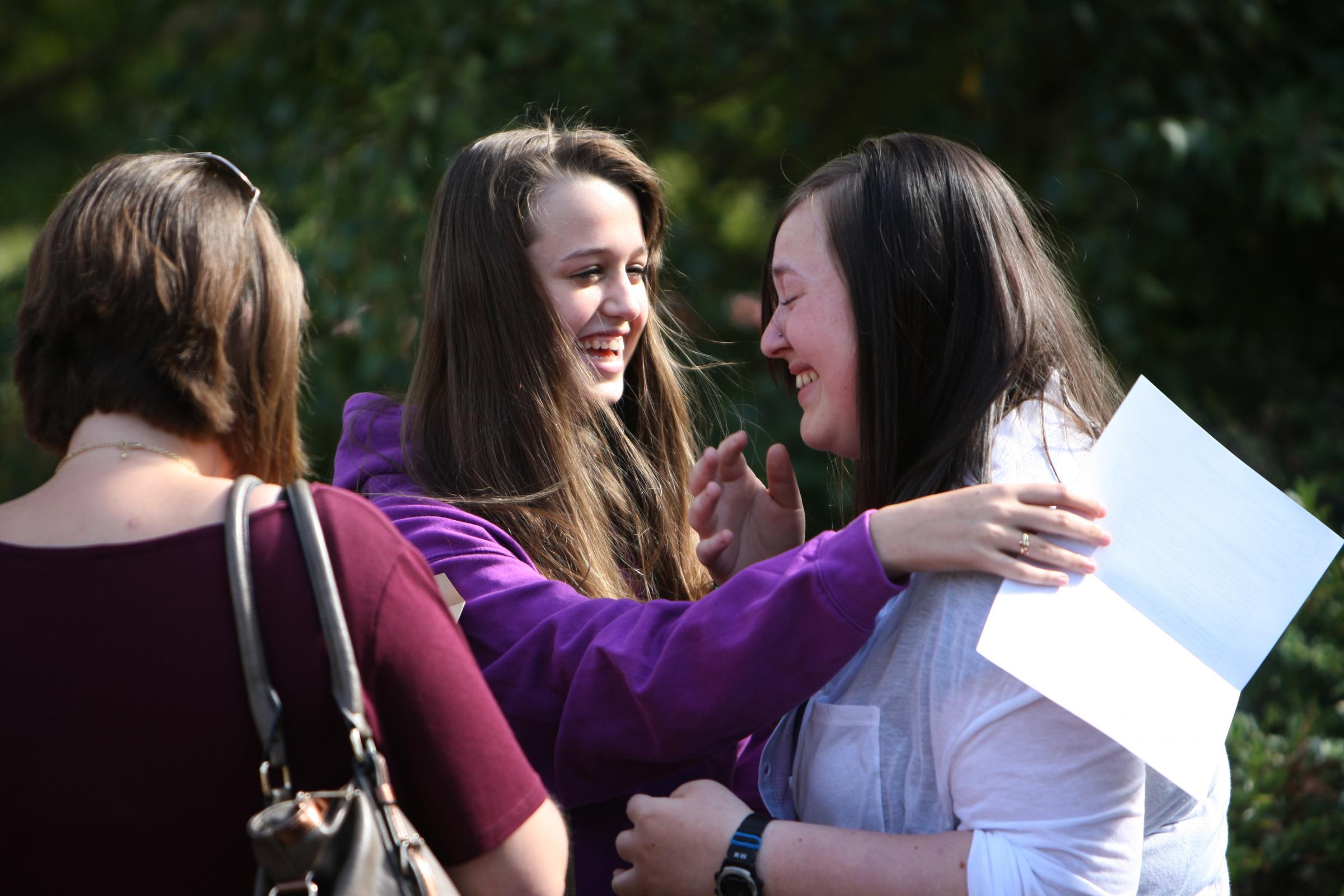 VIDEO AND GALLERY: Thousands of students receive GCSE results across Dorset and the New Forest