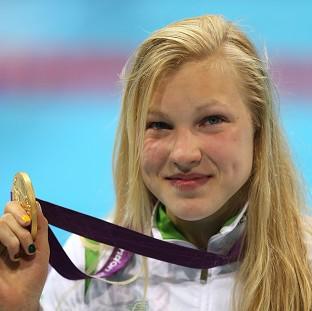 游泳冠军获得六项GCSE