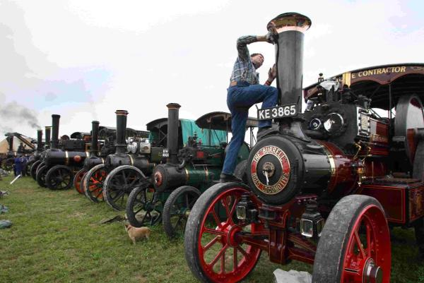 Tractors, field gun and even a tank: get ready for the Great Dorset Steam Fair