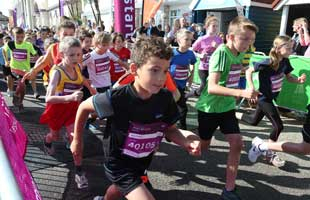 Bournemouth Echo: Bournemouth Marathon Festival 2014 kids races