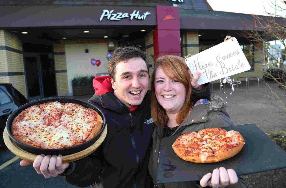 I Dough Meet The Couple Having Their Wedding Reception At Pizza Hut
