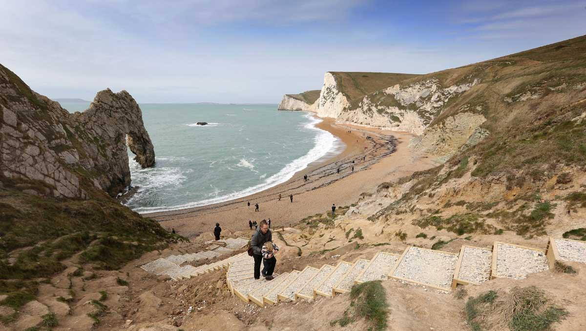 Pathway to Jurassic Coastu0027s Durdle Door re-opened three years after steps collapsed | Bournemouth Echo & Pathway to Jurassic Coastu0027s Durdle Door re-opened three years after ...
