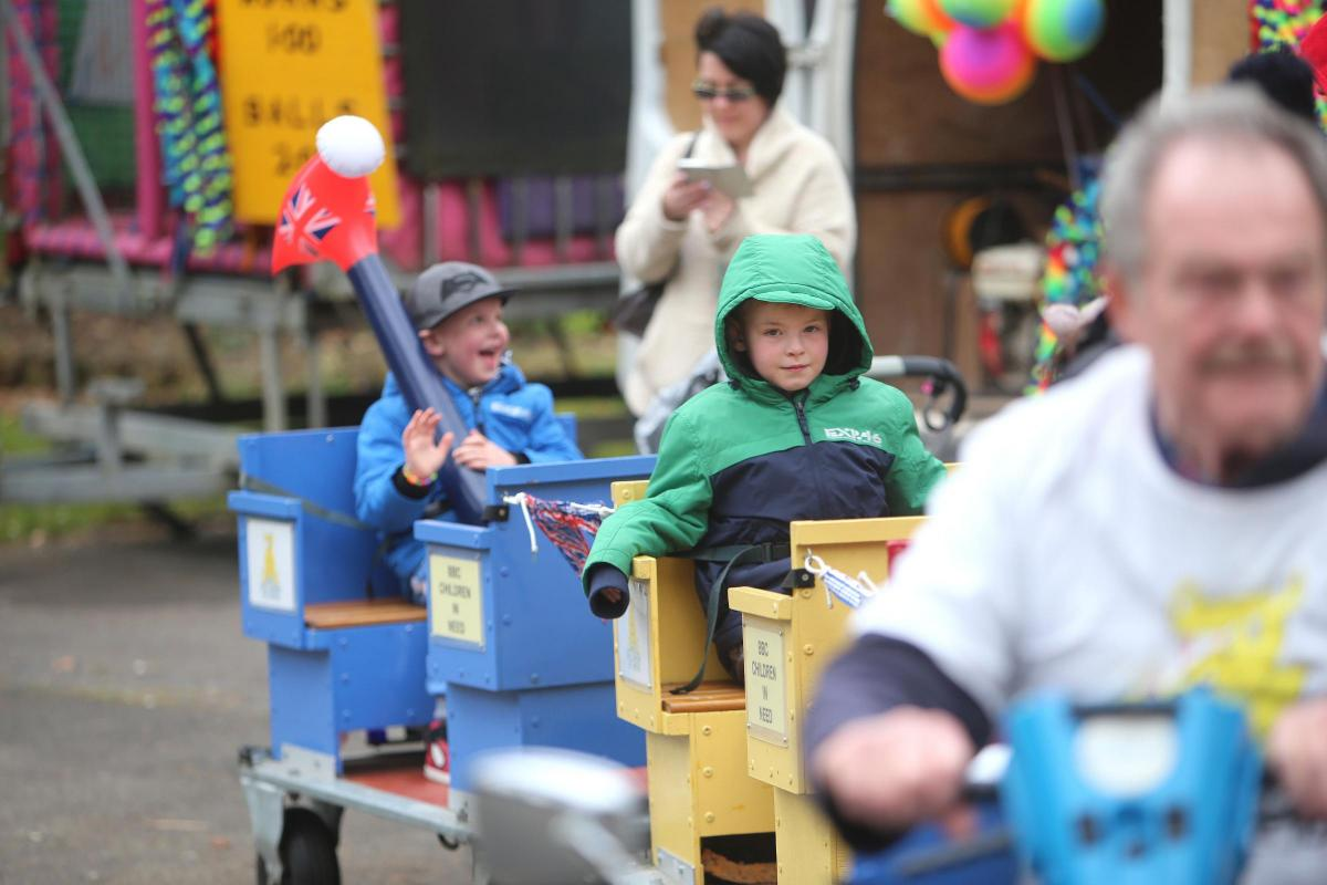 Pictures boscombe family fun day goes ahead despite high winds pictures boscombe family fun day goes ahead despite high winds negle Image collections