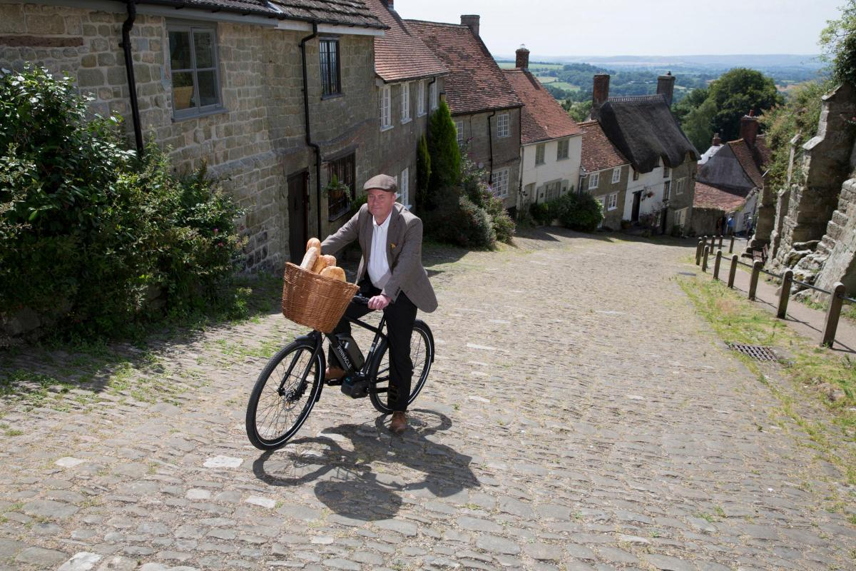 WATCH   Hovis boy  returns to Gold Hill 44 years on (and this time he  conquers it) 65a6e7ea3