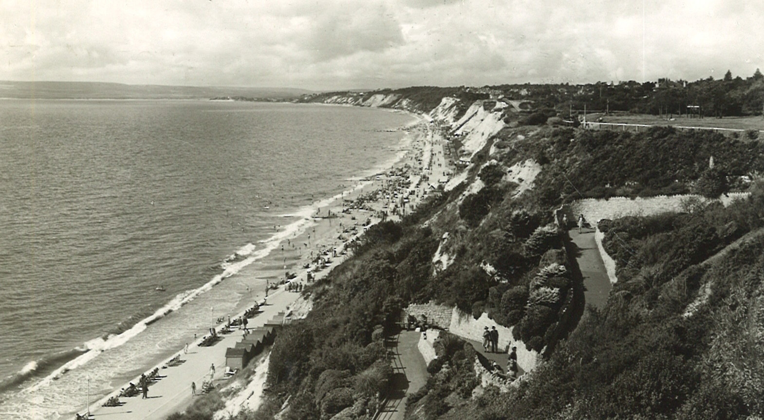 Picture of the Day: Postcard of West Cliff Zig Zag from 1960