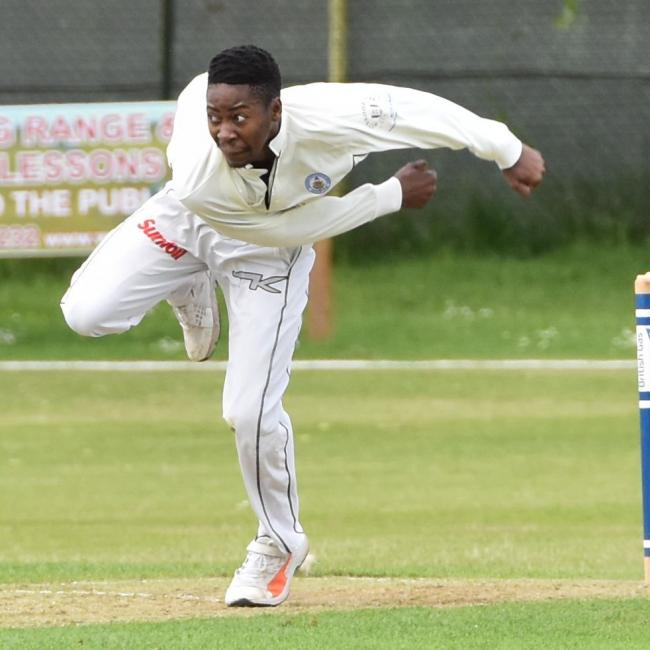 BLISTERING SPELL: Sibz Makhanya took four for 15 against New Milton (Picture: Neil Smith)