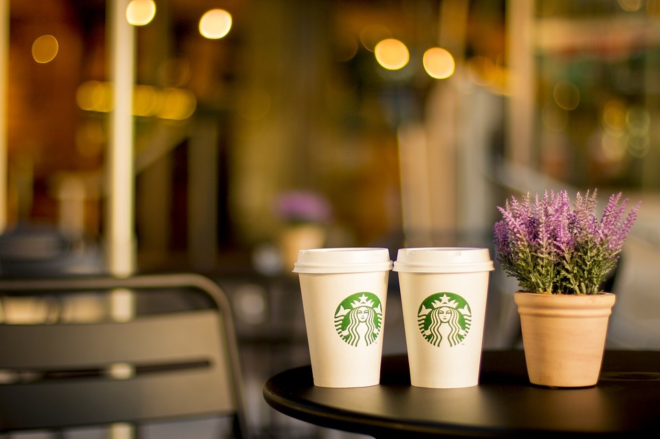 Starbucks coffee cups. Picture via Pixabay
