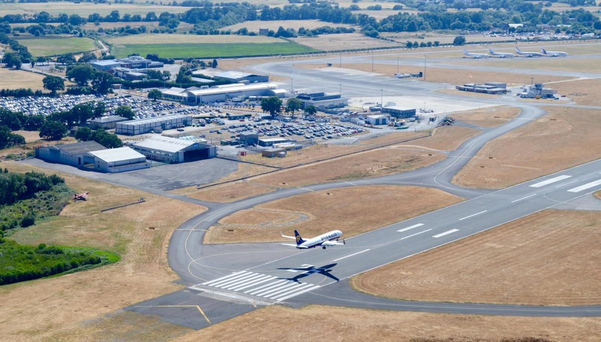detailed look a2425 ce242 Rival ambitions of Bournemouth and Southampton airports ...