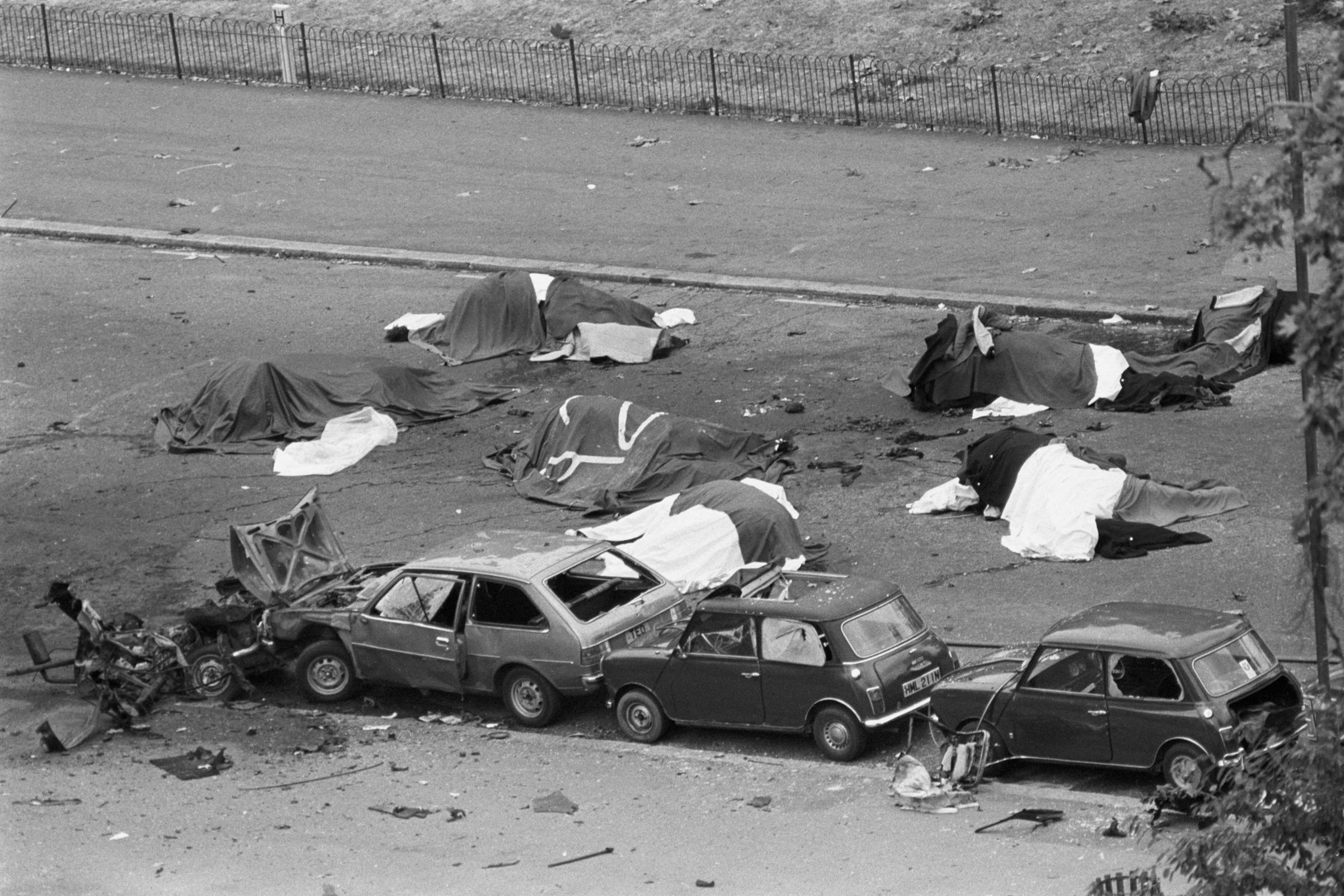 海德公园爱尔兰共和军炸弹被指控于1972年在法庭上因杀害士兵而被捕