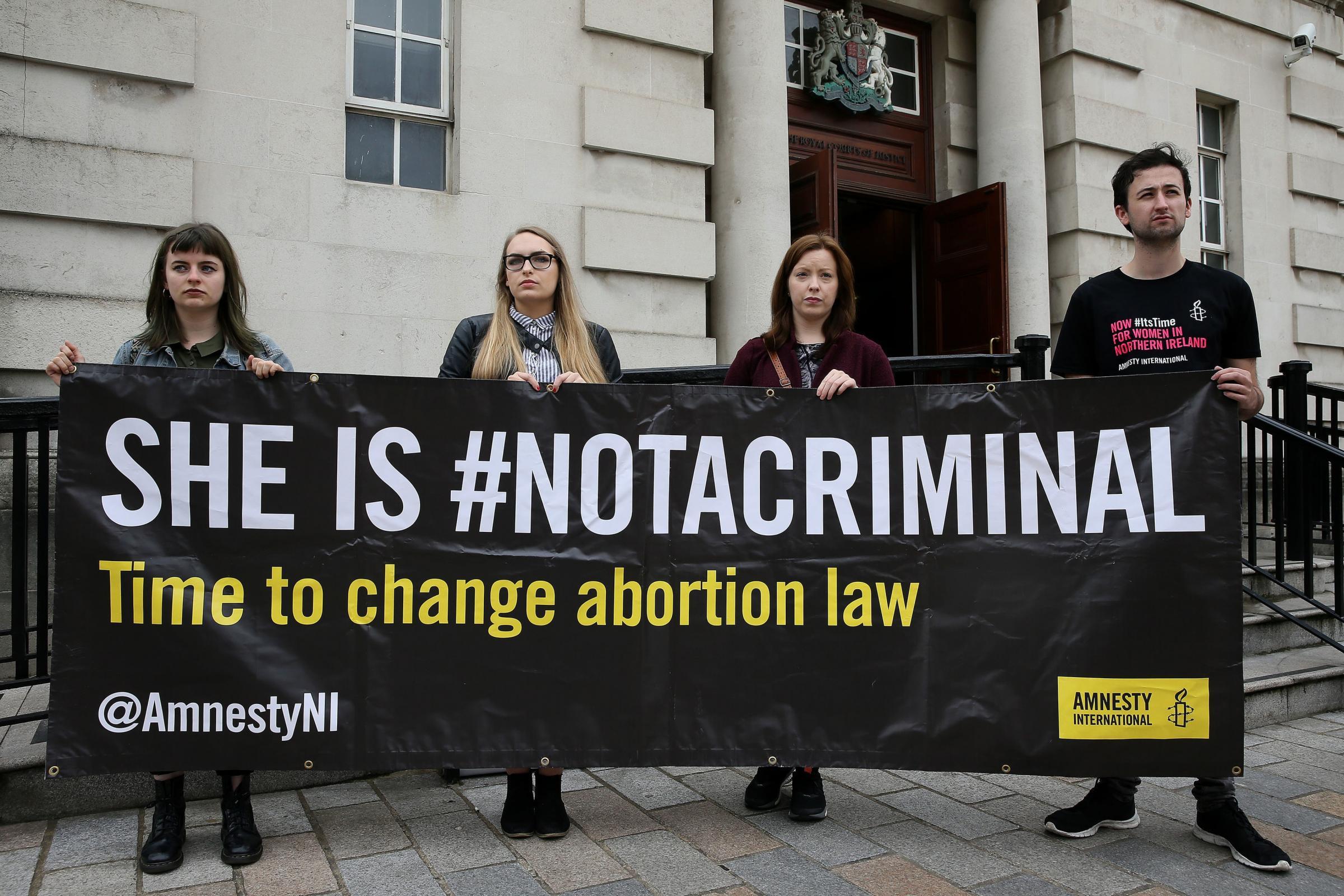 对获得堕胎药的母亲的*提出质疑