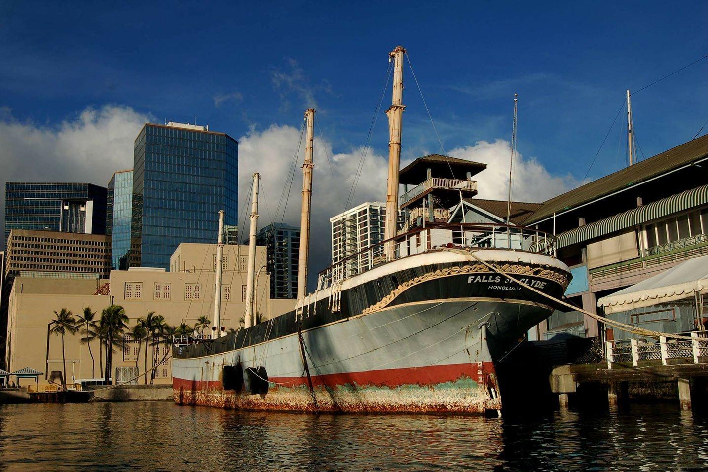 克莱德船从夏威夷回家