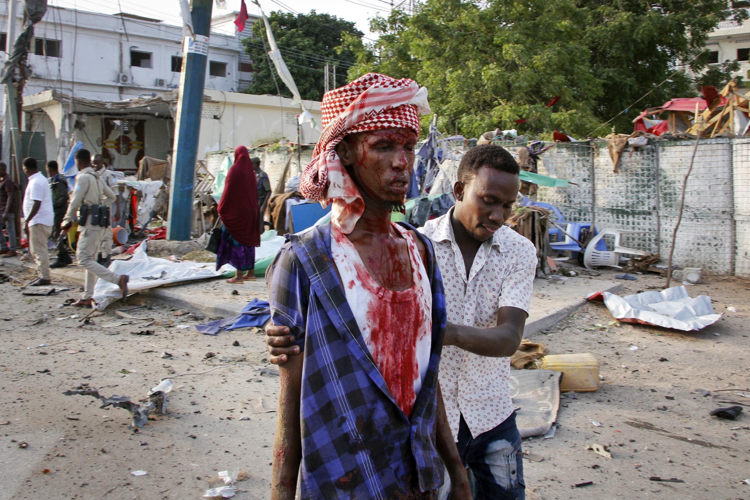 10人在索马里首都酒店门前被汽车炸弹炸死