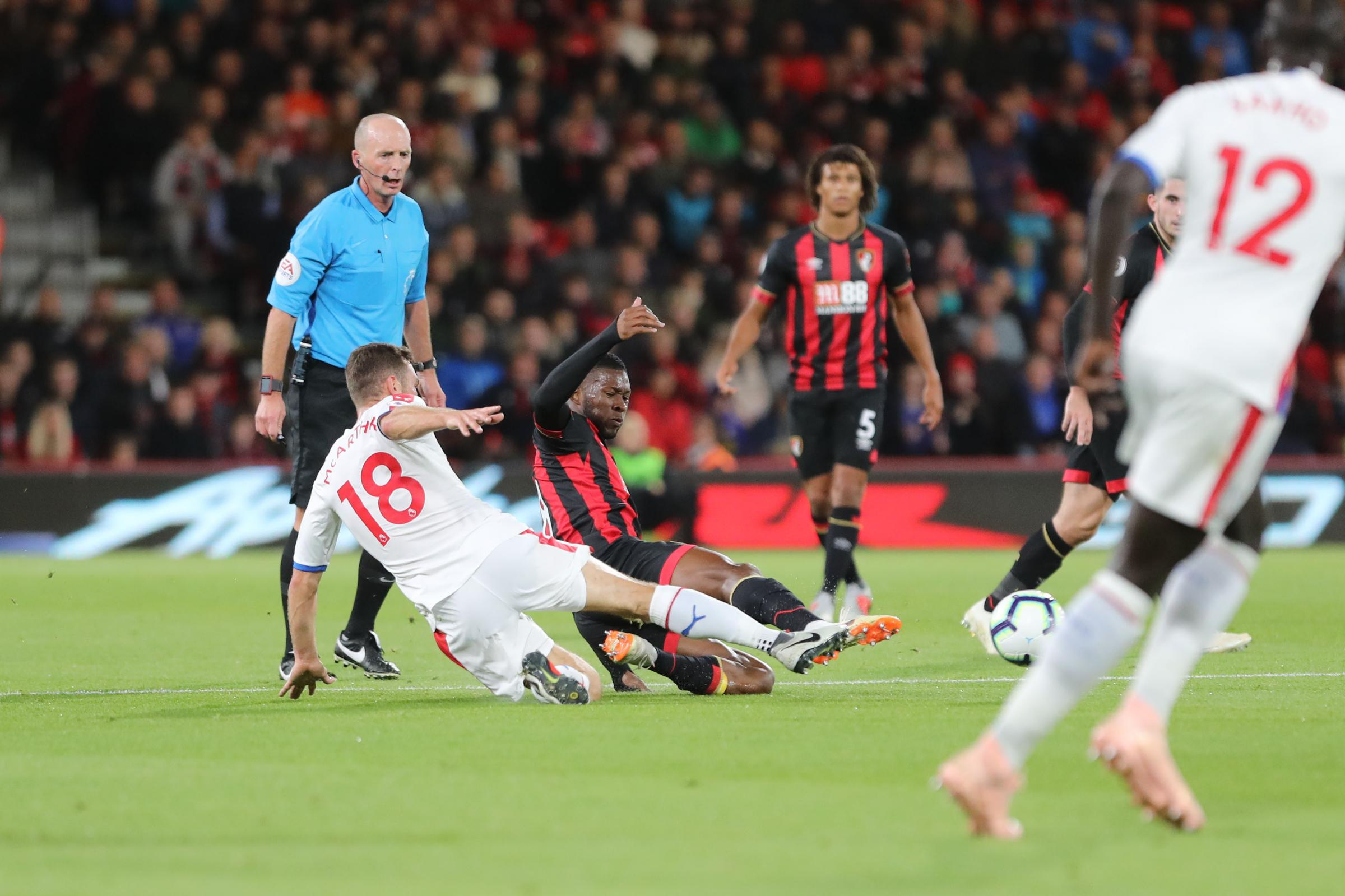 Lerma walking disciplinary tightrope but Howe will not try to change midfielder's 'natural instincts'