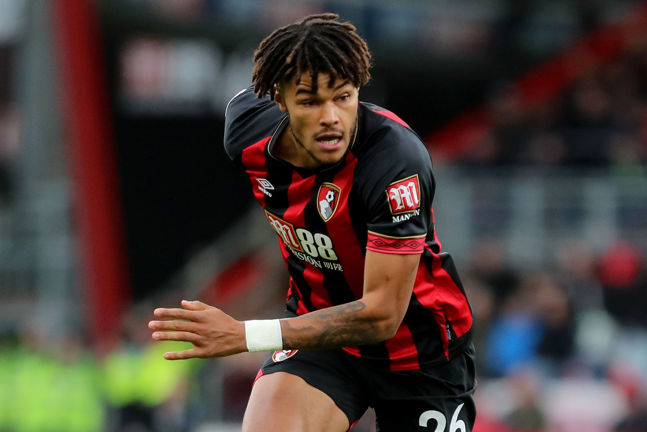Howe to 'wait and see' on Mings loan decision