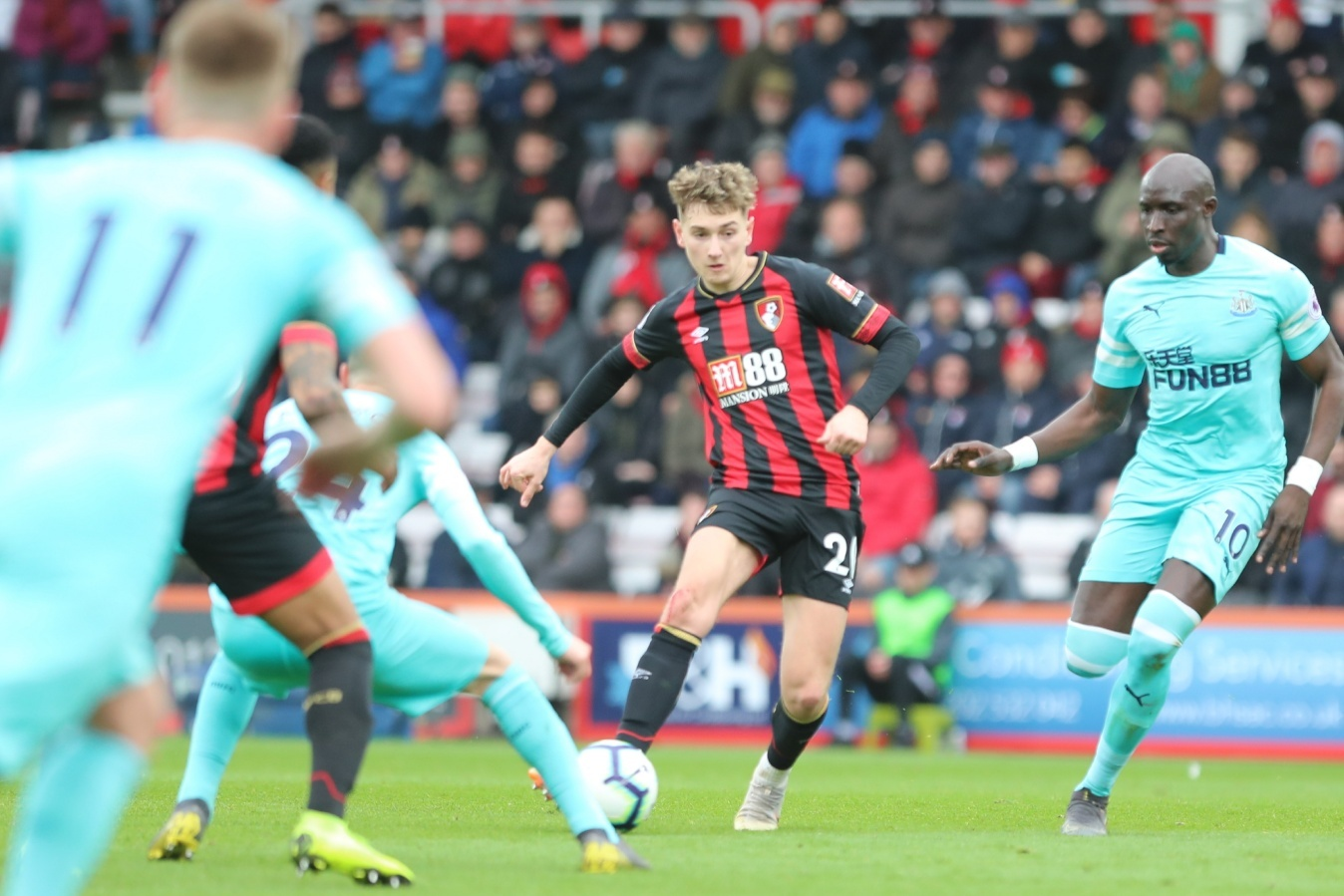 Late Ritchie stunner denies Cherries victory against Newcastle