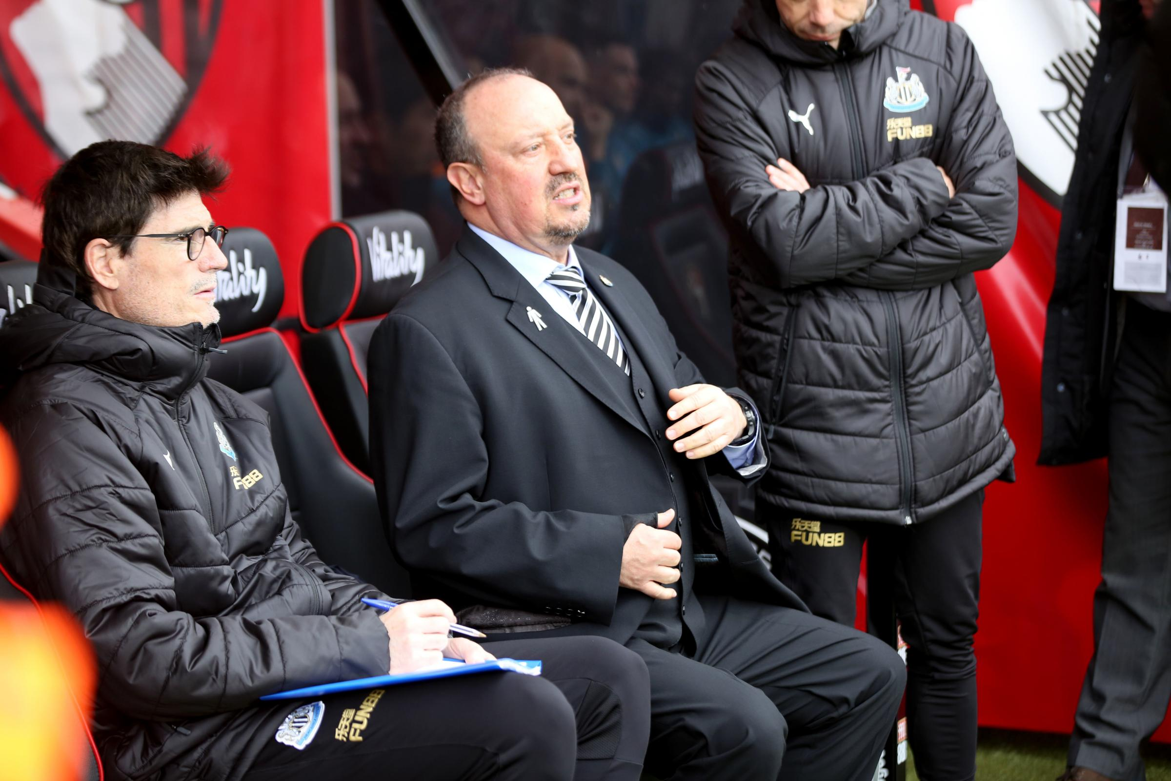 Newcastle boss Rafael Benitez not impressed by referee Mike Dean during draw with Cherries