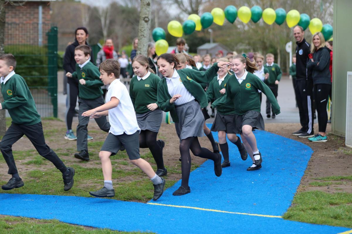 f1519a8fb4cb7 Olympic runner Liz Yelling opens new track at Burton Primary School ...