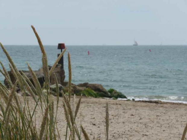 Best beaches honour for Hengistbury Head and Sandbanks, but Bournemouth beach misses out