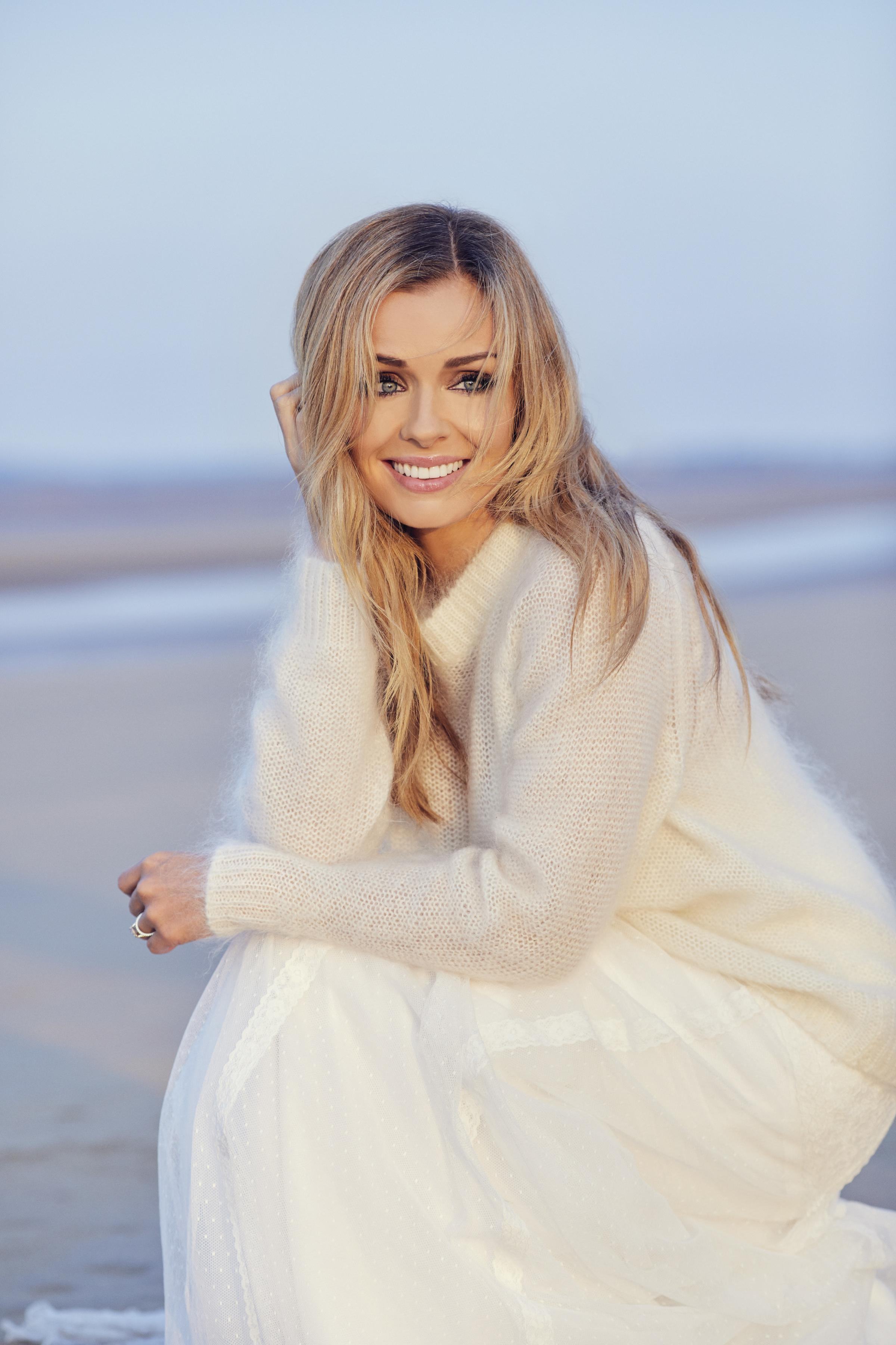 Katherine Jenkins - photo: DAVID VENNI