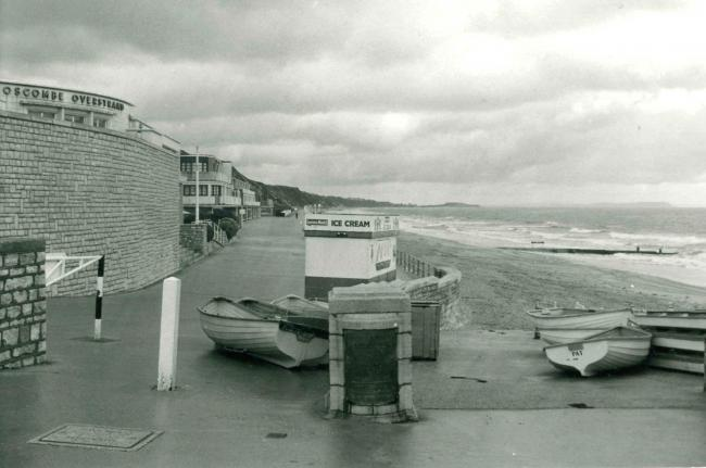 Boscombe Overstrand and beachfront in 1976. Picture from the Peters Collection.